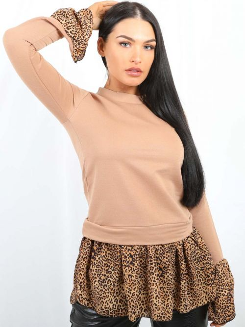 Ellis Leopard Print Hem Shirt Detail Top In Camel