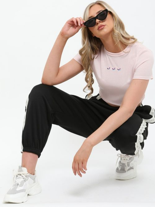 Kirsty Embroidered Butterfly Rib Crop Top In Pink
