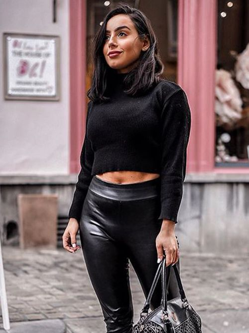 Karla Long Sleeved Crop Jumper In Black