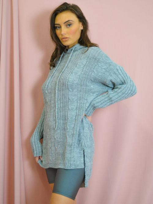 Ryan Dip Hem Cable Knit Jumper With Hood In Grey
