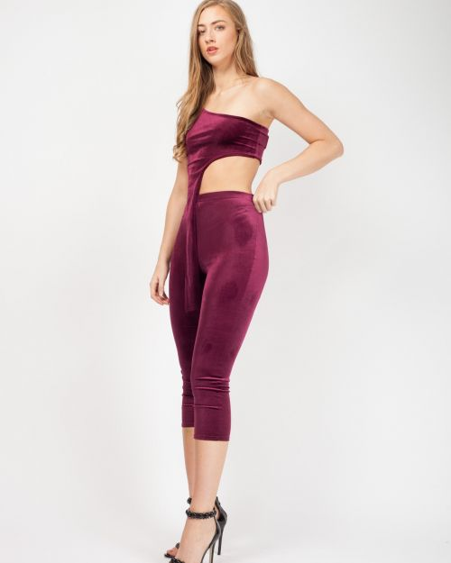 Jina One Shoulder Drop Frill Velvet Co-Ord In Wine