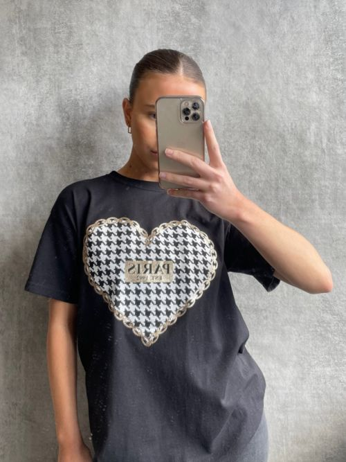 Olena PARIS Dogtooth Heart Graphic Printed T-Shirt In Black