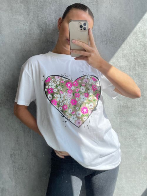 Kadi J'adore Floral Heart Graphic Printed T-Shirt In White