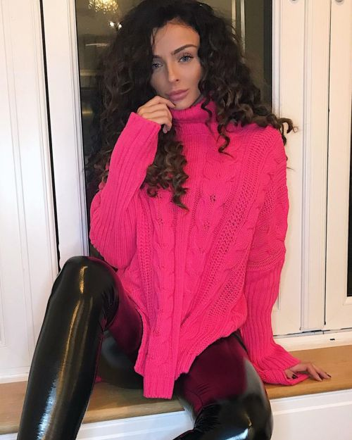 Nikola Oversized Cable Knit Jumper In Neon Pink