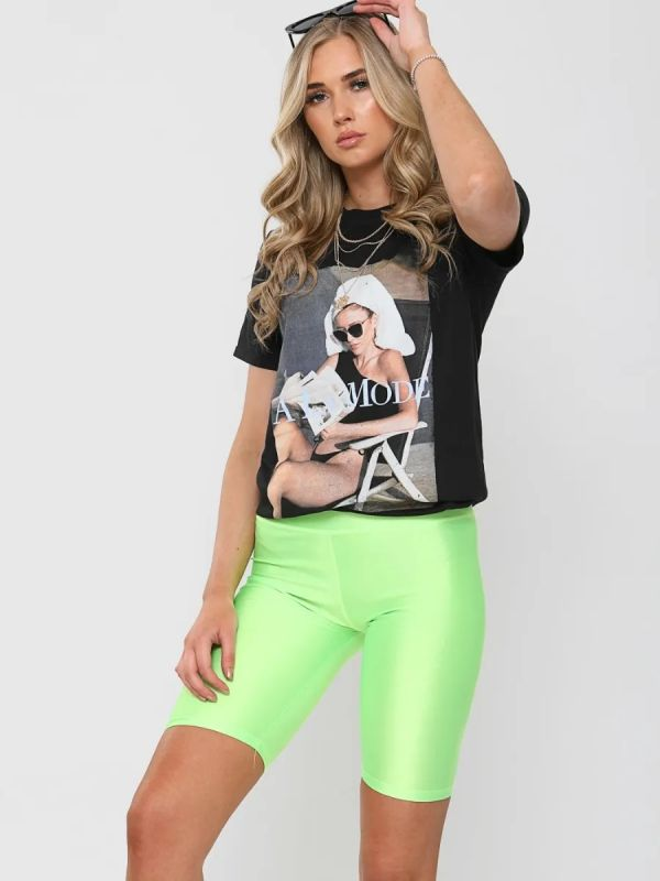Rhona A LA MODE Graphic Printed T-Shirt In Black