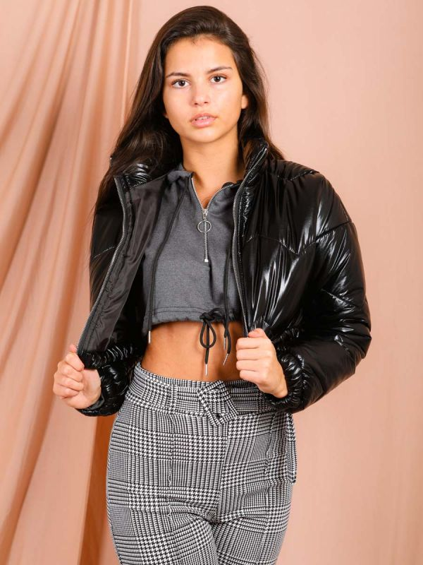 Nadine Shiny Wet Look Cropped Puffer Jacket In Black