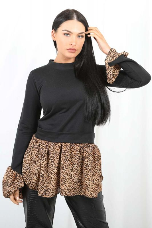 Ellis Leopard Print Hem Shirt Detail Top In Black