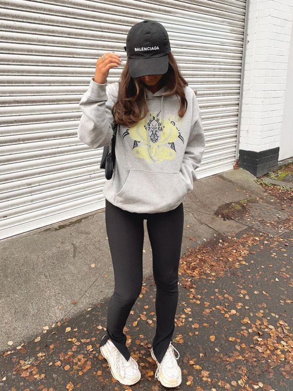 Claire Poison Love Graphic Fleeced Hoodie In Grey