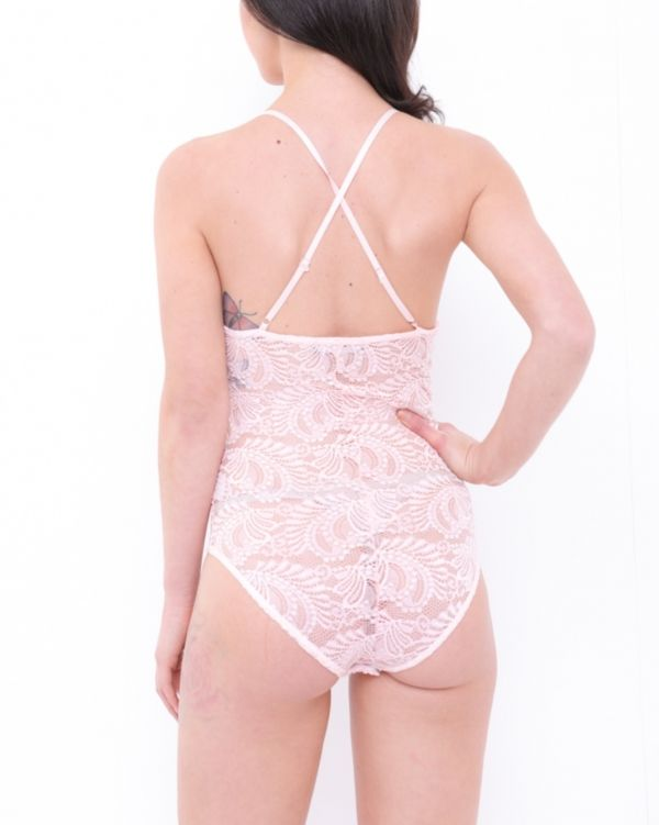 Daisy Scallop Lace Cross Back Strappy Bodysuit In Pink