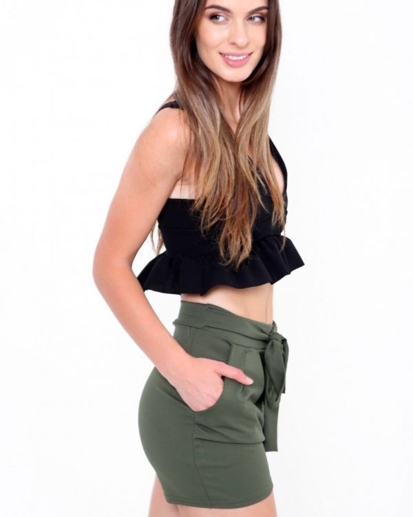Larna Tie Knot Belted Shorts In Khaki