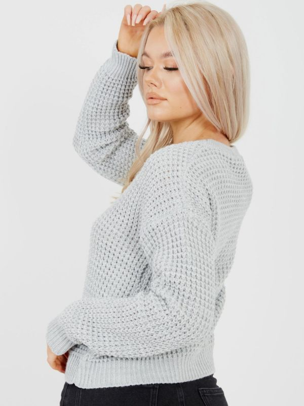 Cliona Fisherman Knitted Cropped Jumper In Grey