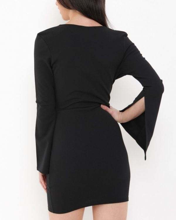 BRAELYNN TIE FRONT PLUNGE DRESS IN BLACK