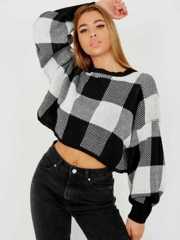 Larra Oversized Checked Cropped Knitted Jumper In Monochrome