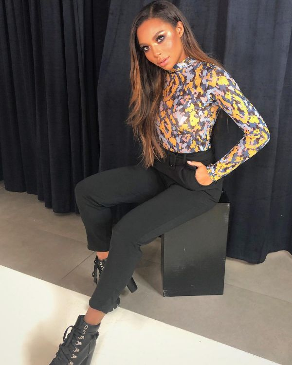 Deanna Belted Trousers In Black